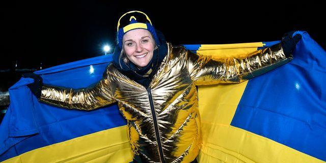 Stina Nilsson jublar efter guldet. Anders Wiklund/TT / TT NYHETSBYRÅN