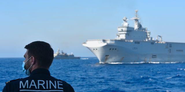 Franska och Grekiska militärfartyg på torsdagen. TT NYHETSBYRÅN