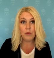 Lena Hallengren under pressträffen.