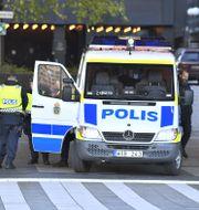 Polis i centrala Stockholm. Claudio Bresciani //TT / TT NYHETSBYRÅN