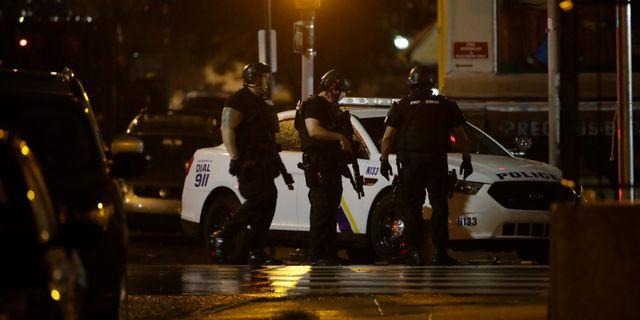 Polis på platsen Matt Rourke / TT NYHETSBYRÅN/ NTB Scanpix