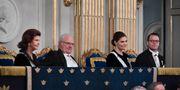 Delar av kungafamiljen i Börshuset för Svenska Akademiens högtidssammankomst. Henrik Montgomery/TT / TT NYHETSBYRÅN