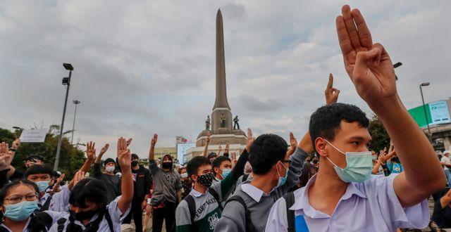 Demonstranter i Bangkok på onsdagen. Sakchai Lalit / TT NYHETSBYRÅN