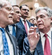 Ingves och Fed-chefen Jerome Powell.  Lars Pehrson/SvD/TT / TT NYHETSBYRÅN