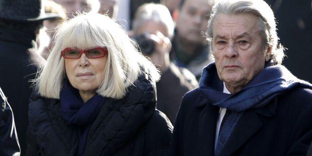 Skådespelarna Alain Delon och Mireille Darc.  Thibault Camus / TT NYHETSBYRÅN