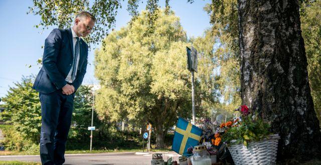 Damberg på den plats i Göteborg där en polis sköts ihjäl i somras. Bild från 3 september.  Björn Larsson Rosvall/TT / TT NYHETSBYRÅN