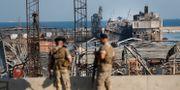 Militärer vid Beiruts hamn. Hussein Malla / TT NYHETSBYRÅN