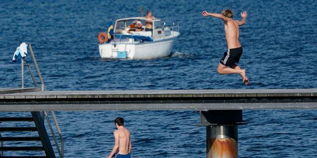 Brittsommarbad vid Scaniabad i Malmö den 13 oktober 2018.  Johan Nilsson/TT / TT NYHETSBYRÅN
