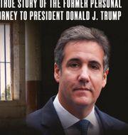 """Michael Cohens självbiografi """"Disloyal""""/Donald och Melania Trump. TT"""