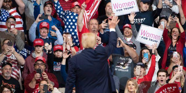 Donald Trump under ett kampanjmöte. Mary Altaffer / TT NYHETSBYRÅN