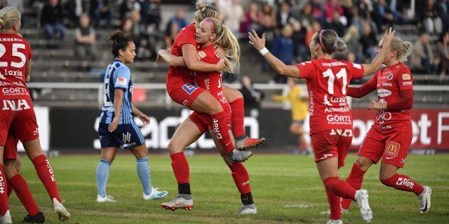 Örebro jublar på Stockholms stadion. Jessica Gow/TT / TT NYHETSBYRÅN