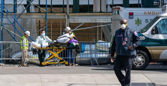 En patient får vård i New York David Dee Delgado / TT NYHETSBYRÅN