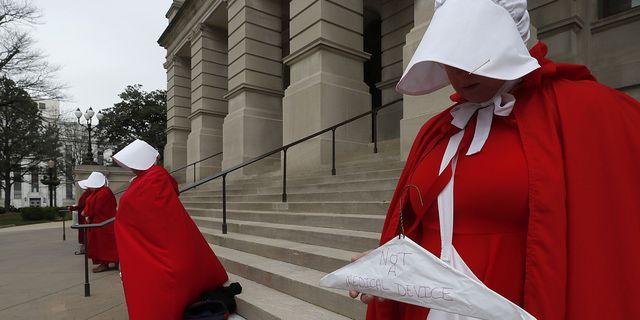 2e6692fc942b Protester i Atlanta efter att en ny, mycket restriktiv abortlag röstats  igenom. TT