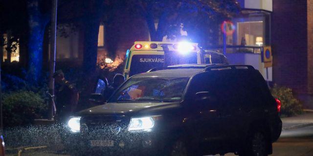 Polisen på platsen där det larmades om skottlossning i Nacka på söndagskvällen. Arkivbild. Claus Meyer/TT / TT NYHETSBYRÅN