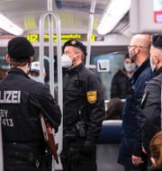 Skidliftar i Tyrolen/bayersk polis. TT