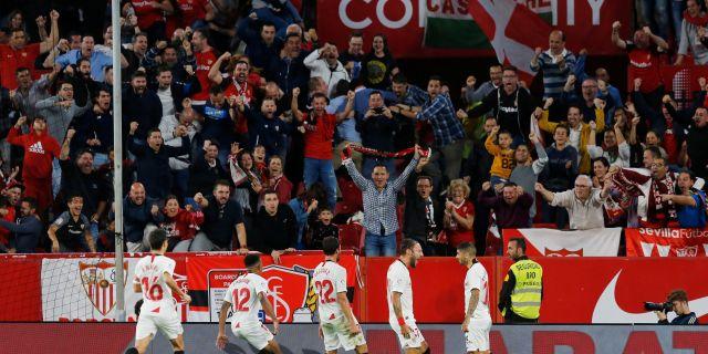 Sevilla firar ett mål mot Atletico Madrid i november. MARCELO DEL POZO / BILDBYRÅN