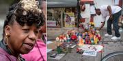 Eric Garners mamma/blommor på platsen där Eric Garner dog år 2014. TT