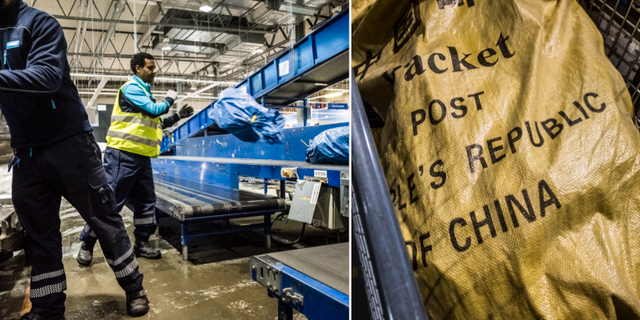 Paket sorteras på Postnords Veddesta-terminal i Järfälla, arkivbild. TT
