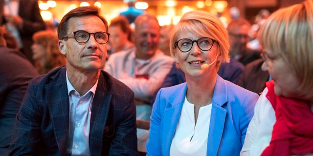 Moderaternas partiledare Ulf Kristersson och ekonomisk-politisk talesperson Elisabeth Svantesson. Thomas Johansson/TT / TT NYHETSBYRÅN