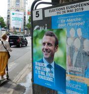 Valaffisch med Emmanuel Macron.  CHARLES PLATIAU / TT NYHETSBYRÅN