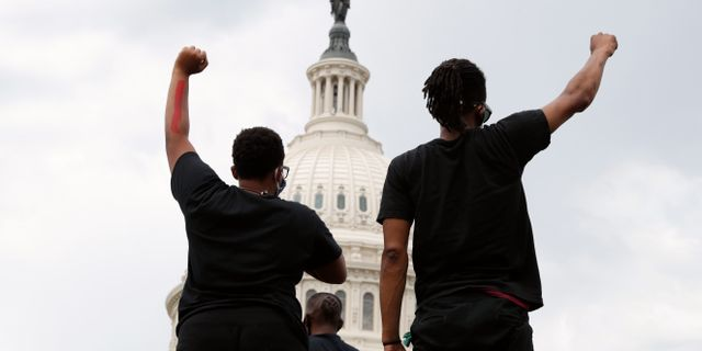 Protester i Washington. Jacquelyn Martin / TT NYHETSBYRÅN