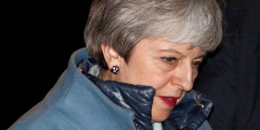 Theresa May lämnar Downing Street på måndagskvällen. HENRY NICHOLLS / TT NYHETSBYRÅN