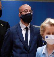 Charles Michel, i mitten, tillsammans med Mark Rutte, Ursula von der Leyen och Emmanuel Macron . Stephanie Lecocq / TT NYHETSBYRÅN
