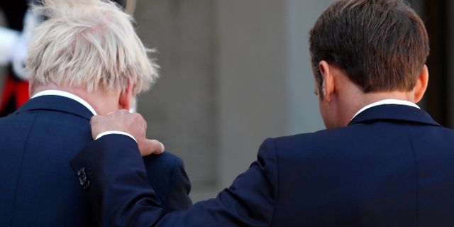 Boris Johnson och Emmanuel Macron idag. Gonzalo Fuentes / TT NYHETSBYRÅN