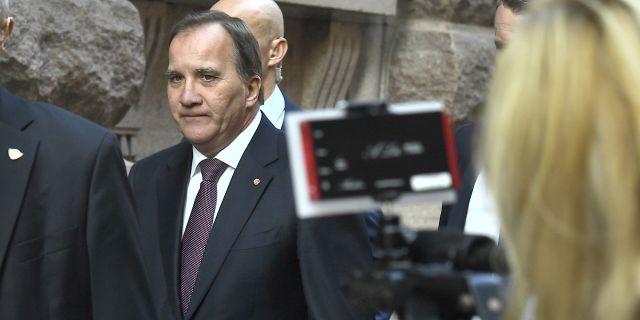 Socialdemokraternas partiledare Stefan Löfven (S) anlände till riksdagen för att träffa talmannen Andreas Norlén under gårdagen. Claudio Bresciani/TT / TT NYHETSBYRÅN