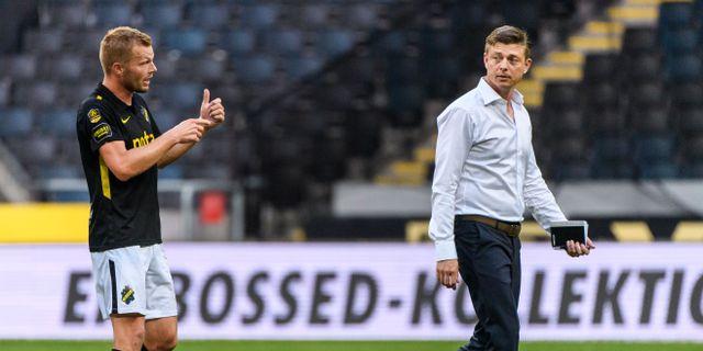 Sebastian Larsson och Malmötränaren Jon Dahl Tomasson. JOHANNA LUNDBERG / BILDBYRÅN