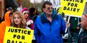Människor protesterar för Daisy Coleman 2013. Sait Serkan Gurbuz / TT NYHETSBYRÅN