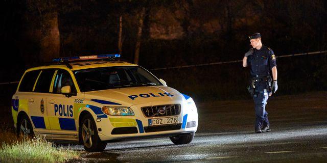 Polisen spärrade av brottsplatsen i Sollentuna i den 2 augusti.  Fredrik Persson /TT / TT NYHETSBYRÅN