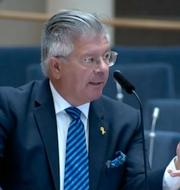 Hans Wallmark (M), Ann Linde (S) under riksdagsdebatten SVT Forum