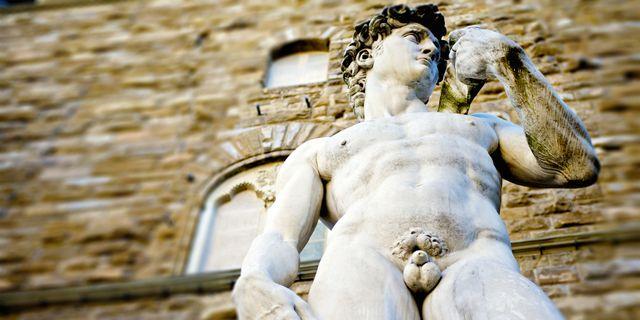 Den 5 maj kan du gå på museum naken i Paris. Thinkstock