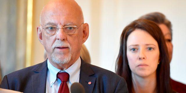 EU-minister Hans Dahlgren (S) och jämnställdshetsminister Åsa Lindhagen (MP) Anders Wiklund/TT / TT NYHETSBYRÅN