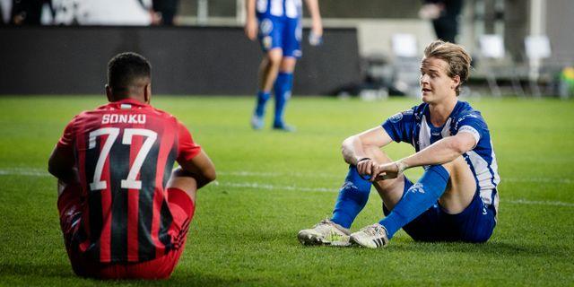Två målskyttar pustar ut efter matchen. IFK Göteborgs August Erlingmark gjorde två mål och Östersunds Noah Sonko Sundberg stod för ett i torsdagens fotbollsmatch i allsvenskan. Jonas Lindstedt/TT / TT NYHETSBYRÅN