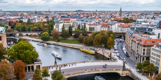 Utsikt över Berlin med floden Spree i förgrunden. Halvard Alvik/NTB scanpix/TT / TT NYHETSBYRÅN