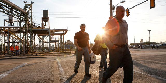 Stålarbetare på väg tillbaka till jobbet vid United States Steel Corp.  LAWRENCE BRYANT / TT NYHETSBYRÅN