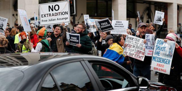 Demonstrationer för Julian Assange i London i maj. Frank Augstein / TT NYHETSBYRÅN