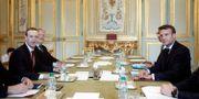 Bild från mötet igår. Zuckerberg till vänster och Macron till höger. Yoan Valat / TT NYHETSBYRÅN/ NTB Scanpix