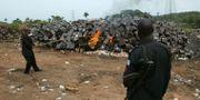 Bild från 2017. Myndigheterna sätter eld på falska läkemedel.  PIUS UTOMI EKPEI / AFP