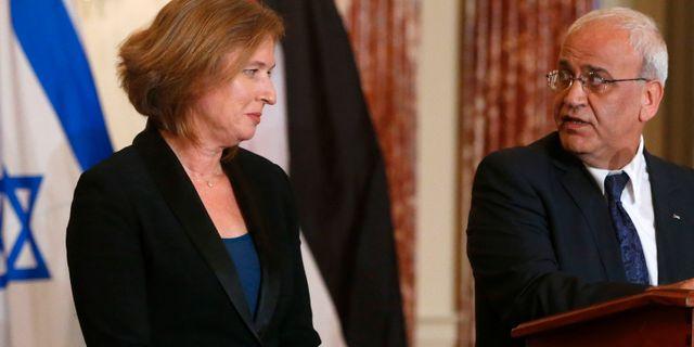 Saeb Erekat och den israeliska politikern Tzipi Livni, justitieminister fram till 2014. Charles Dharapak / TT / NTB Scanpix