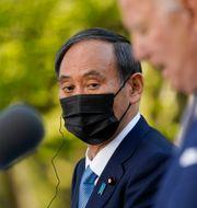 Japans premiärminister Yoshihide Suga på presskonferensen med Joe Biden.  Andrew Harnik / TT NYHETSBYRÅN