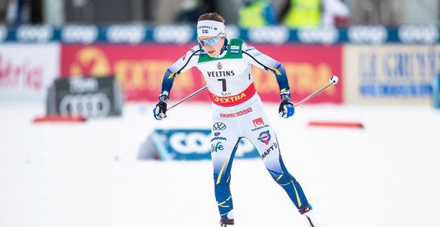 Ebba Andersson i aktion i Ruka. TOMI HÄNNINEN / BILDBYRÅN