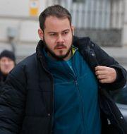 Pablo Hasel vid en tidigare rättegång i Madrid 2018. Arkivbild. Paul White / TT NYHETSBYRÅN