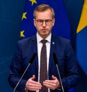 Inrikesminister Mikael Damberg (S) under onsdagens pressträff om nya inreserestriktioner och vaccin. Henrik Montgomery/TT / TT NYHETSBYRÅN
