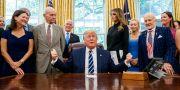 Donald Trump i Ovala rummet. Alex Brandon / TT NYHETSBYRÅN/ NTB Scanpix