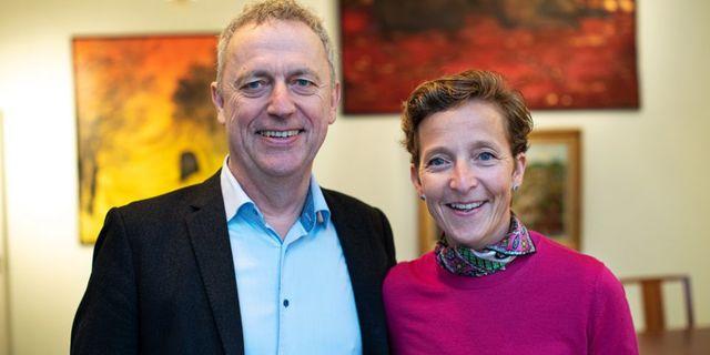 Are Stokstad, vd Amedia och Lovisa Hamrin, ordförande Hamrinstiftelsen. Pressbild