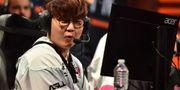 Den sydkoreanske e-sportaren Seung Hoon-Heo deltar i en League of Legends-tävling i april. Jasen Vinlove / TT NYHETSBYRÅN