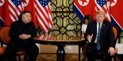 Nordkoreas ledare Kim Jong-Un och USA:s president Donald Trump från deras möte i slutet av februari i år. Evan Vucci / TT NYHETSBYRÅN